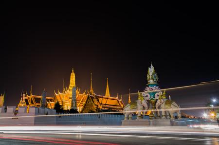 Wat Phra Kaew: Wat Phra Kaew Editorial