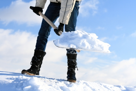 La remoción de nieve de metal pala