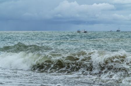 storming: Storming sea