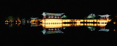 慶州東宮宮殿と Wolji 池