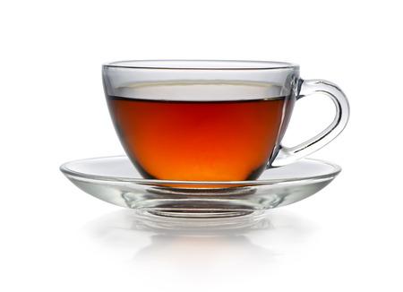 Tazza di tè isolata su bianco