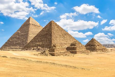 Pirámides de faraos y reinas