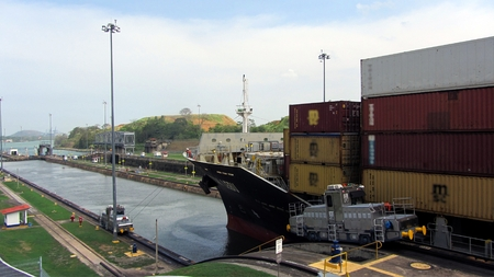 miraflores: Panama Canal Ship Editorial
