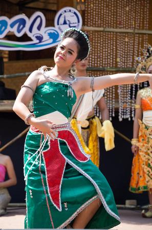 cerebrate: BANGKOK,THAILAND- JANUARY 25:Woman are Thai folk dancer perform Thai Classical Dance of the south on January 25,2015 in Bangkok Thailand Editorial