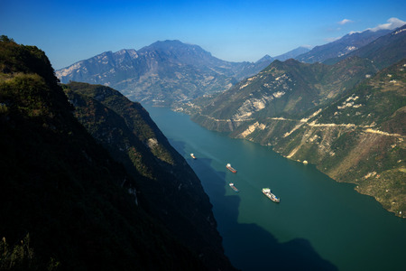 three gorges: The three gorges shipping