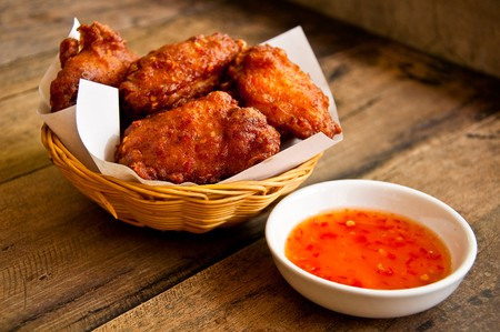 fried chicken: Spicy chicken with sweet sauce
