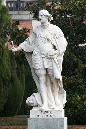 king james: MADRID, SPAIN - DECEMBER 13, 2016: Sculpture of James I the Conqueror, King of Aragon, near the Royal Palace of Madrid. His reign was the longest of any Iberian monarchs -  from 1213 to 1276.