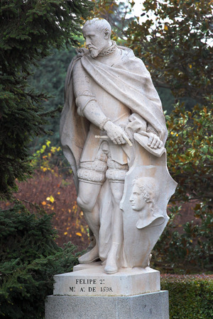 prudent: MADRID, SPAIN - DECEMBER 13, 2016: Sculpture of Philip II the Prudent, King of Spain and Portugal, near the Royal Palace of Madrid. During his reign, Spain reached the height of its influence and power, called the Golden Age. Editorial
