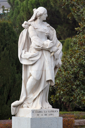 queen isabella: MADRID, SPAIN - DECEMBER 13, 2016: Sculpture of Isabella I, Queen of Castile, near the Royal Palace of Madrid. She reigned from 1474 to 1504 and was married to Ferdinand II of Aragon.