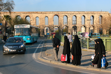fatih: ISTANBUL, TURKEY - APRIL 7, 2012: Ancient Roman Valens Aqueduct (Bozdogan Kemeri), major water-providing system of the Eastern Roman capital of Constantinople. Editorial