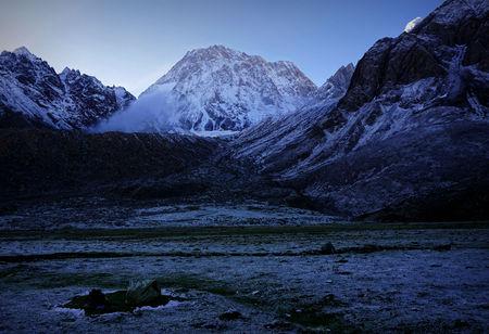 sierra snow: Gongkar mountain link scenery Stock Photo