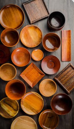 Wooden tableware Standard-Bild - 101420161