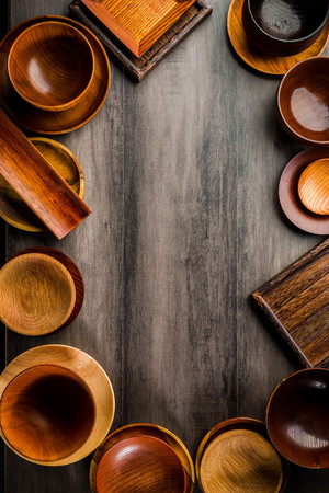 Wooden tableware Standard-Bild - 101420176