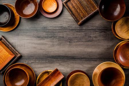 Wooden tableware Standard-Bild - 101420186