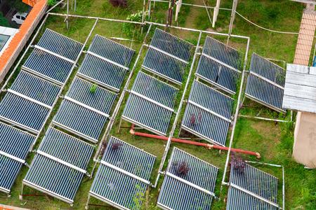 solarpanel: modern Solar Panels in front of blue sky