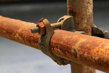 クローズ アップ ショット、さびた金属製の足場の要素