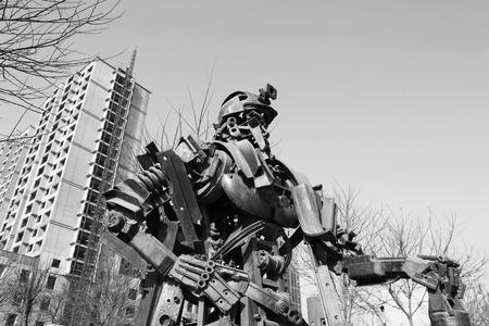 metal sculpture: TANGSHAN - 2 gennaio: La scultura del metallo immagine minatori, nel parco nazionale di miniera Kailuan, il 2 gennaio 2014, citt� di Tangshan, provincia di Hebei, Cina.