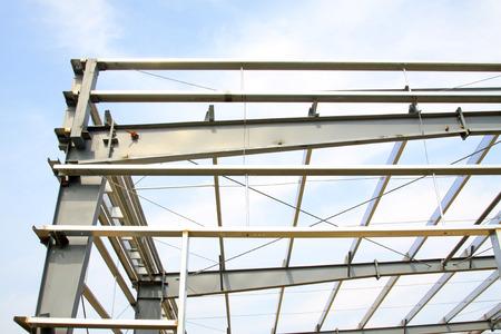 charpente m�tallique: structure en acier paysage int�rieur dans une usine