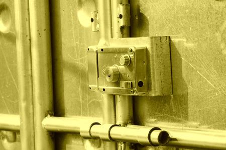 鋼鉄のドアとロック、写真のクローズ アップ