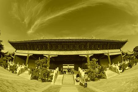 alabarda: PECHINO - 22 dicembre: L'architettura del paesaggio porta alabarda del Tempio Ancestrale ed Imperiale, il 22 dicembre 2013, Pechino, Cina.