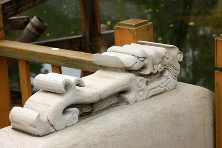 humanismo: CHENGDE CITY - 20 de octubre: tallas de animales modelo de rock en Chengde resort de monta�a, en 20 de octubre 2014, la ciudad de Chengde, provincia de Hebei, China Editorial