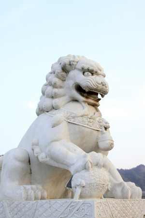 humanism: Carved stone lions