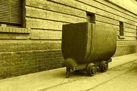 holgaz�n: transportista ferroviario ocioso en una f�brica, primer plano de la foto