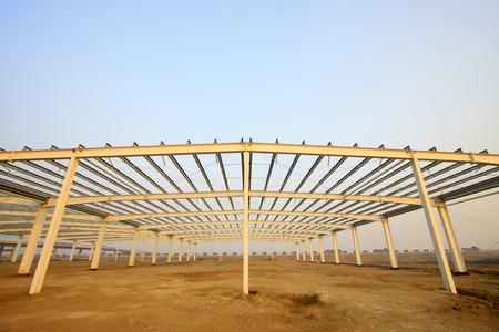 charpente m�tallique: structure en acier paysage dans une usine