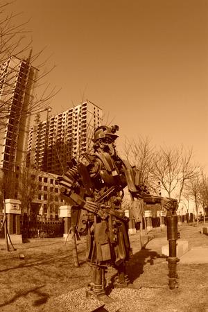 metal sculpture: Tangshan - 2 gennaio: La scultura di metallo immagine minatori, nel parco nazionale miniera di Kailuan, il 2 gennaio 2014, citt� di Tangshan, provincia di Hebei, Cina. Editoriali