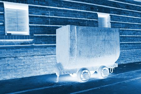 holgaz�n: transportista ferroviario ocioso en una f�brica