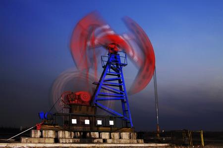 crank: crank balanced beam pumping unit in a oilfield, China