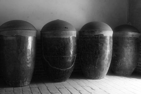 cylinder: Ceramic cylinder