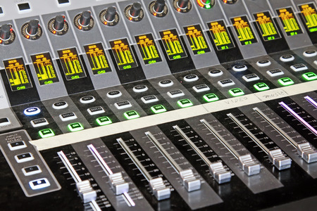 knob: Audio equipment knob