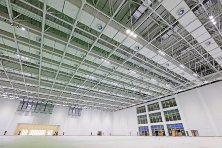 rigidity: steel structure geometry construction in a hall Editorial