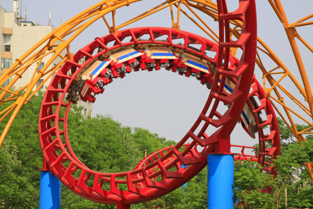 Roller coaster circular orbit, closeup of photo 版權商用圖片