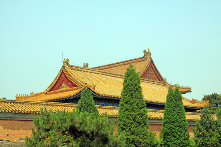 tumbas: glazed tile roof, Chinese ancient architectural landscape in Eastern Royal Tombs of the Qing Dynasty, China Editorial