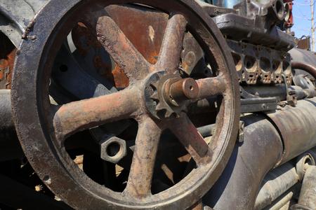 componentes: componentes mec�nicos oxidados, primer plano de la foto