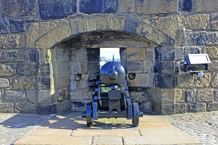 defense facilities: Edinburgh - September 17: cannon in Edinburgh castle, September 17, 2016, Edinburgh, UK.