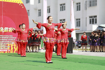 hebei: Luannan - June 5: fitness dance performances in the square, on June 5, 2015, luannan county, hebei province, China
