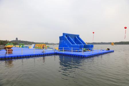 Plastic buoy deck   新聞圖片