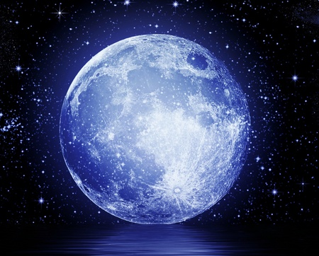 Full moon reflected in water Stock Photo - 9302297