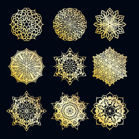 Colore oro rotondo astratto ornamento etnico mandala. Basato su antichi motivi greci, arabi e turchi. Per tessuti, inviti, striscioni e altro