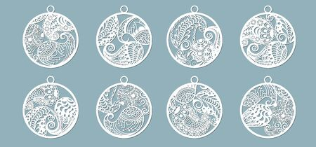 Paisley in the form of pendants. Laser cutting. Craft paper for decoration. Plotter, screen printing.. Banque d'images - 132110816