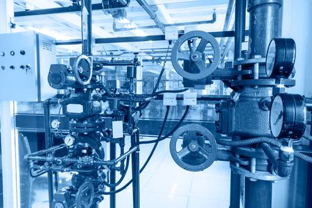 manometer: pipe and manometer