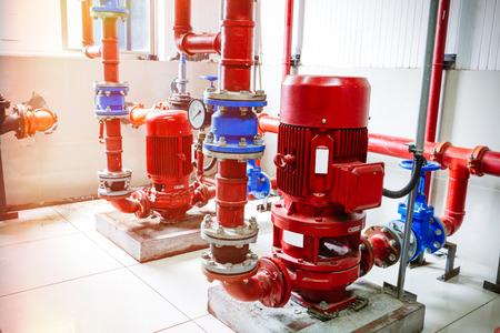 bomba de agua: tubería de la industria Foto de archivo
