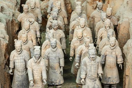 Xi 'an, Chine - le 26 Septembre, 2015: la plus célèbre statue du monde des guerriers en terre cuite, la huitième merveille du monde, qin armée Shihuang en terre cuite est l'un du patrimoine culturel mondial. Éditoriale
