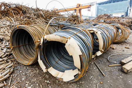 to pile up: Pile up clutter metal steel wire in Steel mills