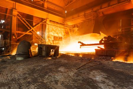 smelting plant: Blast furnace smelting liquid steel in steel mills