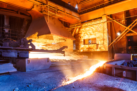 smelting plant: Blast furnace smelting liquid steel in steel mills