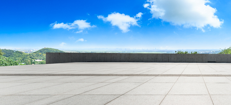 Empty city square floor and blue sky nature landscape,panoramic view Banco de Imagens